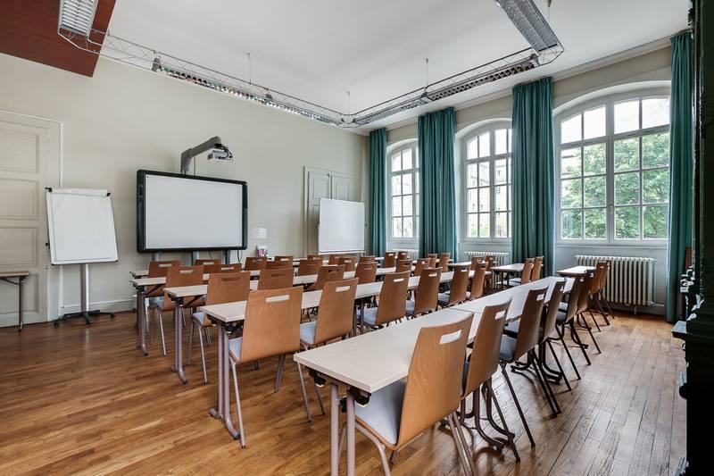 salle de réunion, salle de formation Besançon, salle avec tableau interactif